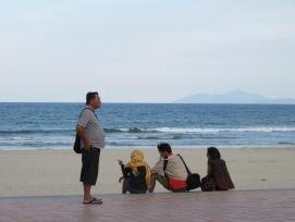 Menikmati sore di Da Nang Beach
